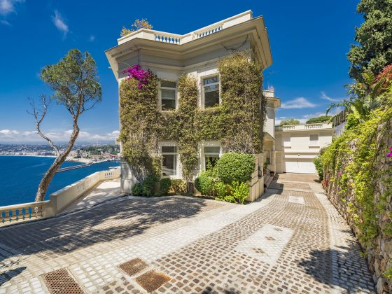 Sean Connery home in the South of France