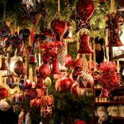 Holiday Decor market