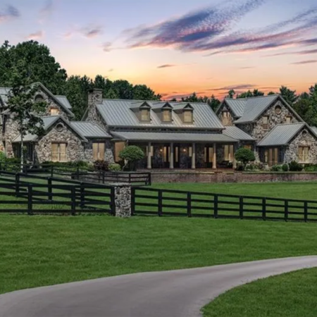 Gracy Manor, the perfect country estate for every horse lover and their thoroughbred